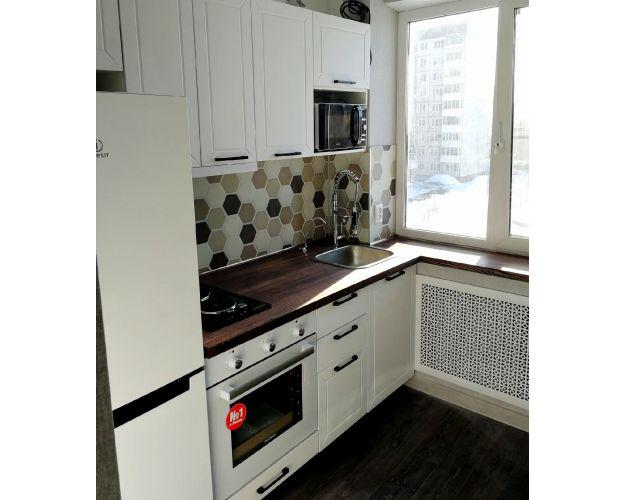 Прямая кухня Глетчер с угловой столешницей
